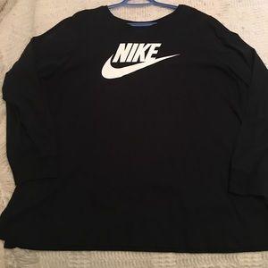 Nike Women's Plus Size Long Sleeve